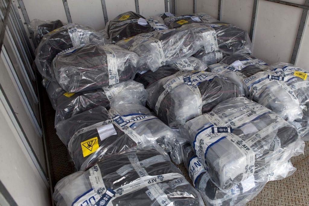 Gambar yang dikeluarkan oleh Polis Persekutuan Australia pada 6 Februari 2017 menunjukkan bungkusan kokain yang dirampas dari sebuah kapal layar di luar pantai New South Wales.