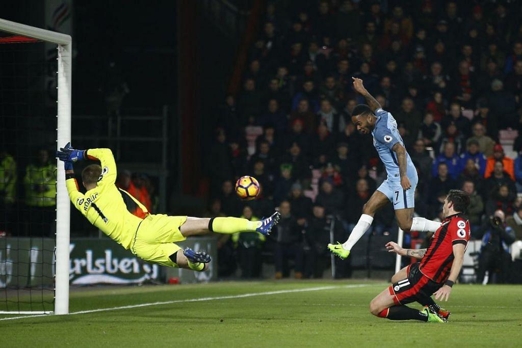 Raheem Sterling menjaringkan gol pertama Manchester City dalam kemenangan 2-0 ke atas Bournemouth dalam perlawanan EPL di Vitality Stadium pada Isnin (13 Feb).