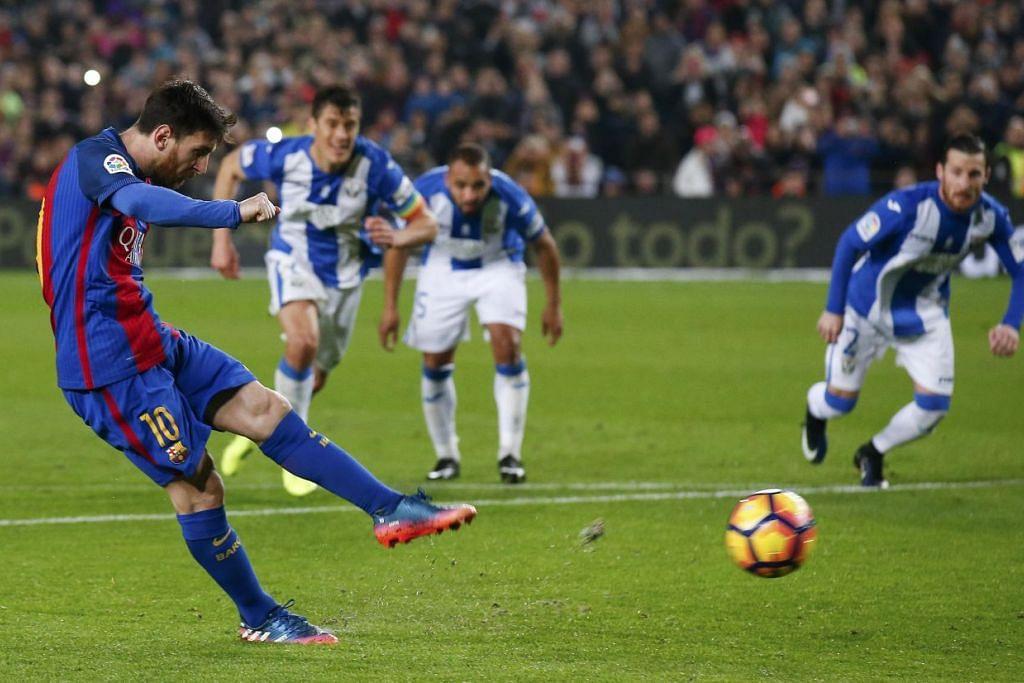 Lionel Messi menyumbatkan gol kemenangan Bacelonan menerusi penalti bagi mengalahkan Leganes.