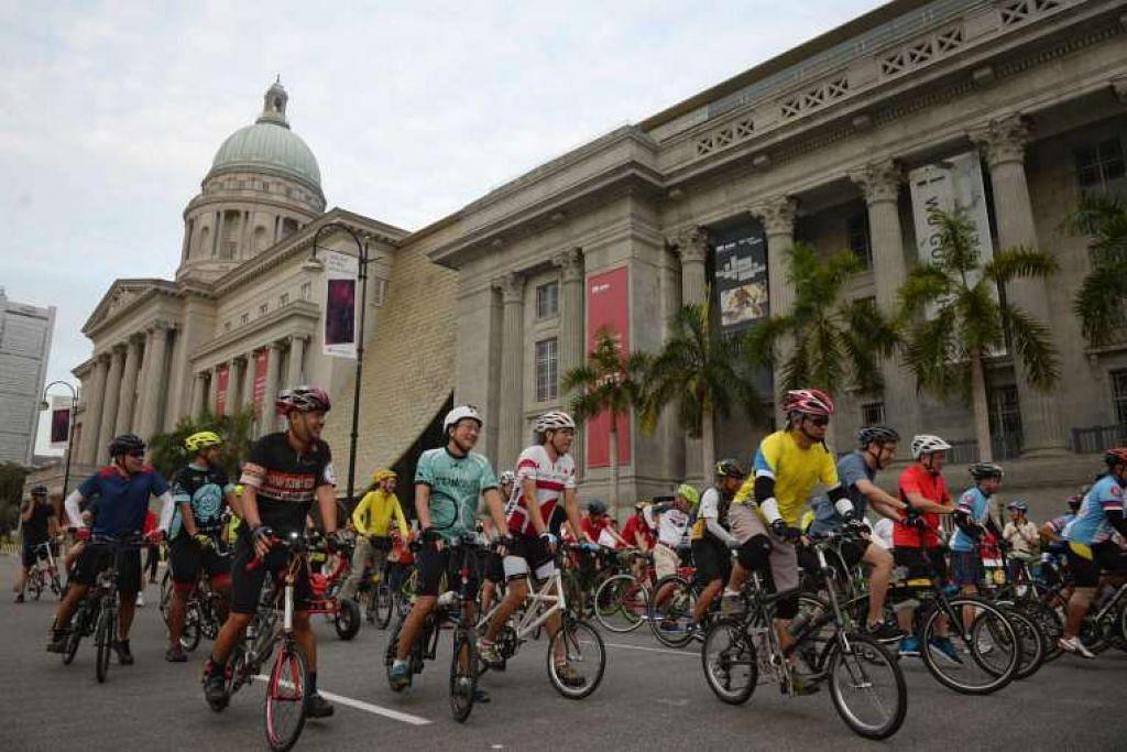 Peserta boleh menyewa basikal secara percuma untuk menunggang di sepanjang jalan raya di Daerah Pusat Perniagaan, Daerah Sivik dan Telok Ayer di Ahad Bebas-Kereta hujung minggu ini.