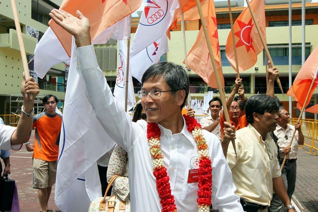 Encik Sin Kek Tong semasa bertanding di Kawasan Undi Perseorangan Hongkah North sebagai calon SPP pada Pilihan Raya Umum 2011.