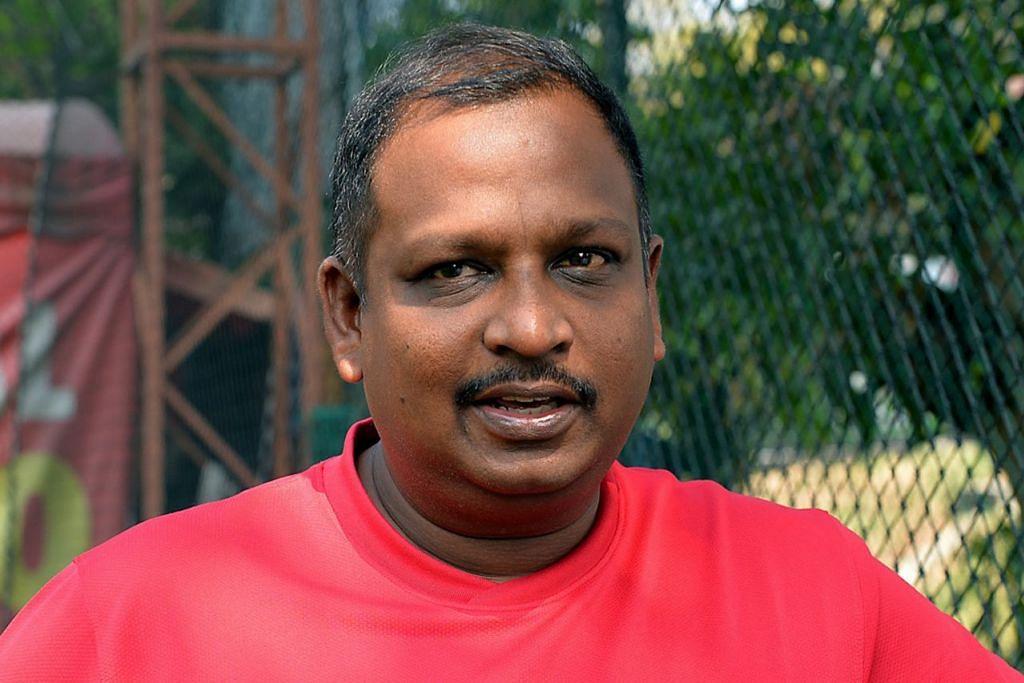 Jurulatih pasukan bola sepak palsi serebrum nasional, Mohamed Zainudeen Mohamed Hassan.