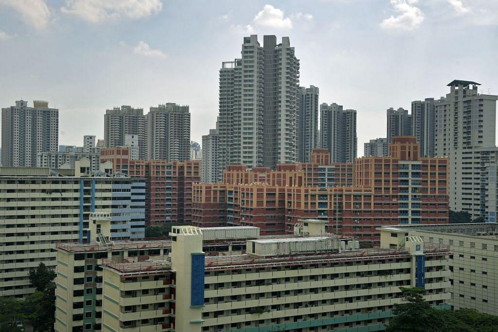 Bagi flat HDB, kadar sewa Feb jatuh 0.8 peratus daripada bulan sebelumnya, dengan kadar bagi flat tiga bilik jatuh 1.2 peratus, empat bilik 0.3 peratus dan lima bilik 1.3 peratus. Sebaliknya, kadar sewa flat eksekutif HDB meningkat 1.0 peratus.