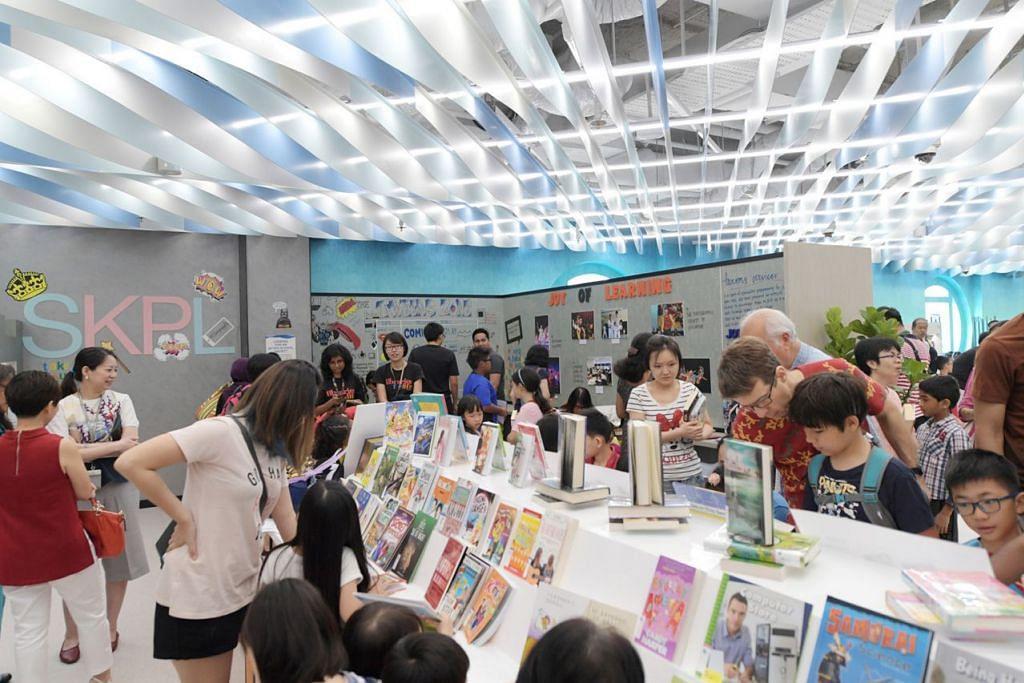 RUANG 'TWEENS': Ruang khas bagi kanak-kanak berusia 10 hingga 14 tahun ini dilengkapi dengan buku-buku yang sesuai dengan usia mereka, kit pembelajaran hands-on serta hiasan menarik di dinding.