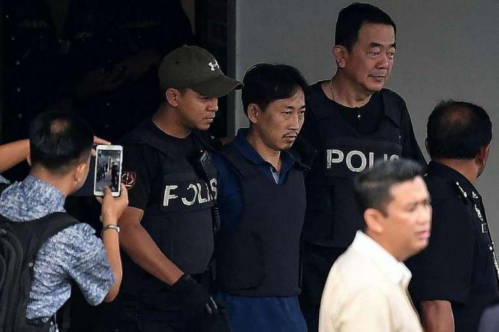 Encik Ri Jong Chol diiringi dari Ibu Pejabat Polis Daerah Sepang di Selangor pada Mac 3. Dia dihantar pulang hari itu selepas ditahan reman selama dua minggu berkaitan pembunuhan Encik Kim Jong Nam.