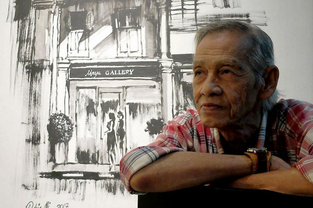 IDEA MENCURAH-CURAH: Di sebalik usia senja yang mencecah 73 tahun, Encik Idris Ali masih aktif melukis khususnya menggunakan cat air yang lebih menuntut ketelitian mewarna dan kecekapan menjana idea spontan. -  Foto ZAZAHIRU