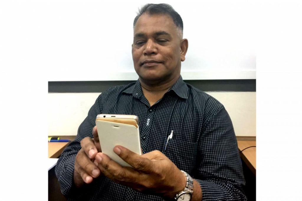 DATUK SERBA CANGGIH: Encik Abdul Wahab yang memiliki iPhone 6 tidak ketinggalan memanfaatkan teknologi baru. - Foto ihsan ABDUL WAHAB AHMAD