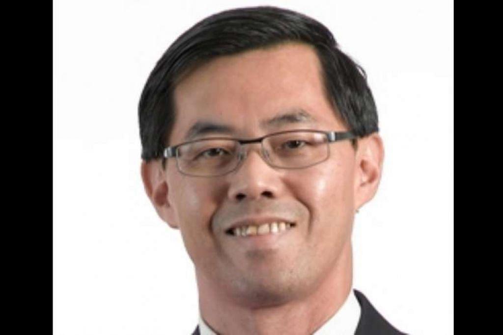 MENGAKU SALAH: Er Meng Joo, 55 tahun, yang merupakan seorang profesor penuh dalam bidang kejuruteraan elektrikal dan elektronik di Universiti Teknologi Nanyang (NTU), mengaku mencuri barangan berupa penyegar udara dan barangan dandanan diri bernilai $225.15 kesemuanya, dari sebuah pasar raya NTUC FairPrice di stesen minyak Esso di Dunearn Road pada Januari tahun lalu. - Foto LAMAN NTU