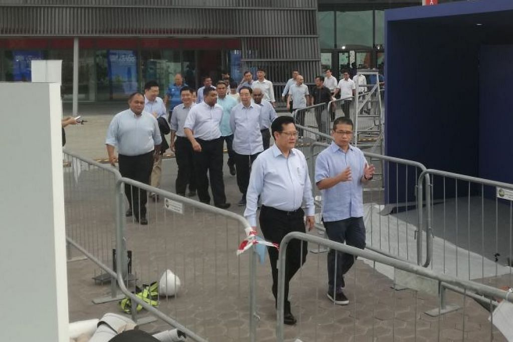 Team LKT tiba di Hab Sukan.