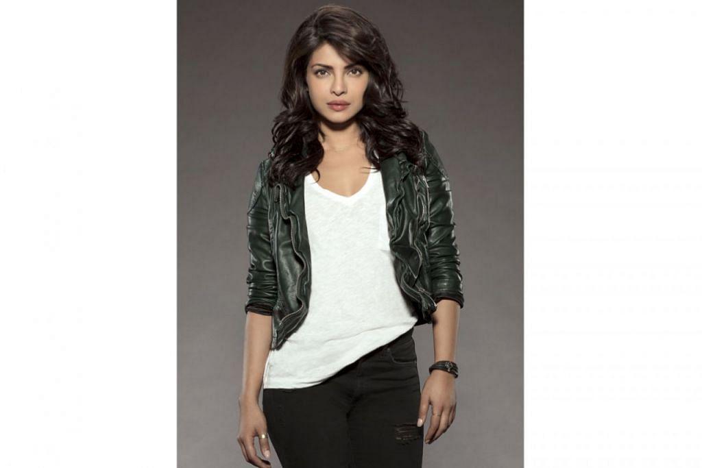 LAKONAN DIPUJI: Lakonan pelakon Bollywood, Priyanka Chopra, dalam filem Hollywood pertamanya, Baywatch, dipuji sedang filem itu mendapat reviu kurang baik daripada pengkritik. - Foto AXN