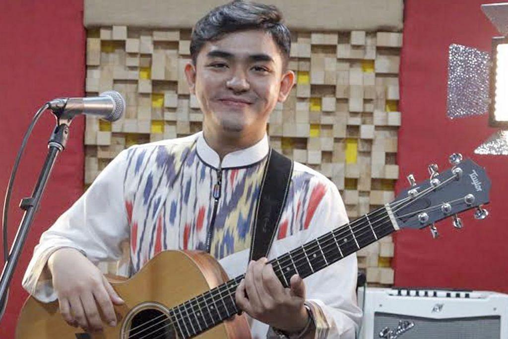 BERSUSAH-SUSAH DULU: Hydir Idris mengaku berulang-alik antara Singapura dan Kuala Lumpur memerah tenaganya tetapi beliau tabah demi membangun kemahirannya dalam bidang muzik. - Foto FARAH REZAL