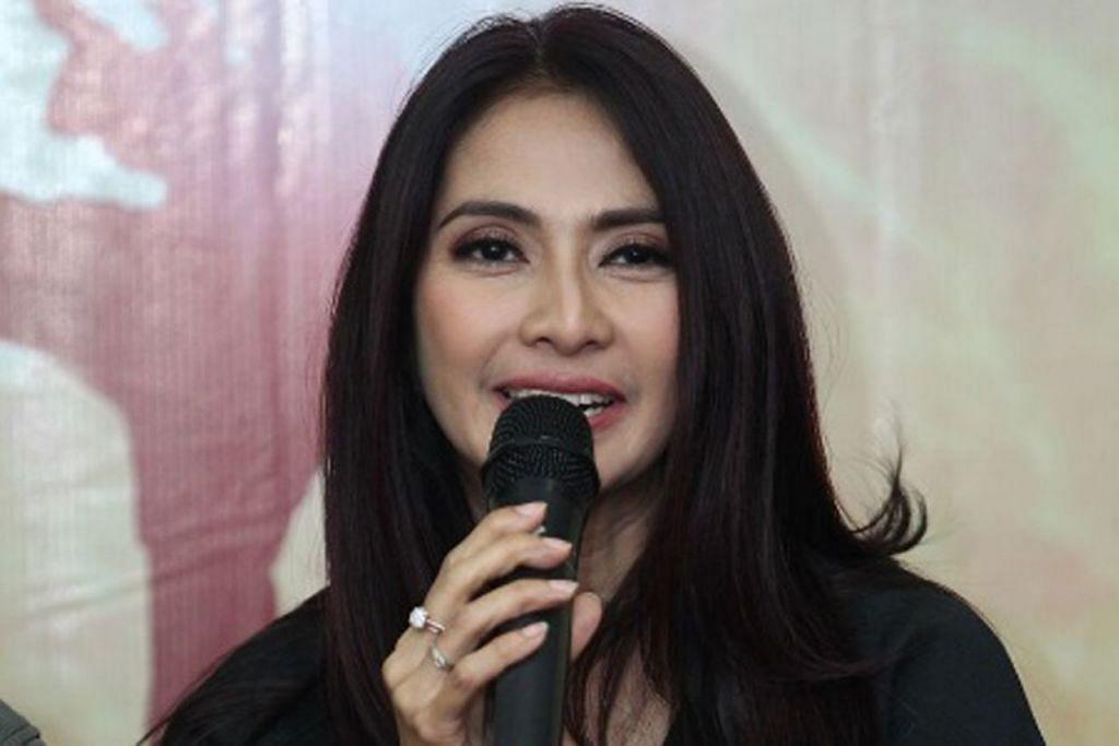 MAUDY KOESNEIDI: Pelakon terkenal Indonesia ini turut menjayakan drama Do(s)a.  - Foto ASTRO