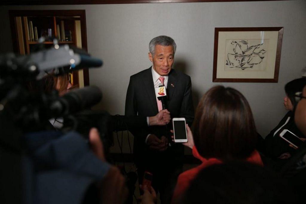 MENGGULUNG LAWATAN KE WASHINGTON: Encik Lee menekankan kepentingan Singapura mengekalkan hubungan dua hala baik dengan Amerika, dan berkata adalah penting  bagi negara itu terus melibatkan diri dalam ehwal di Asia.