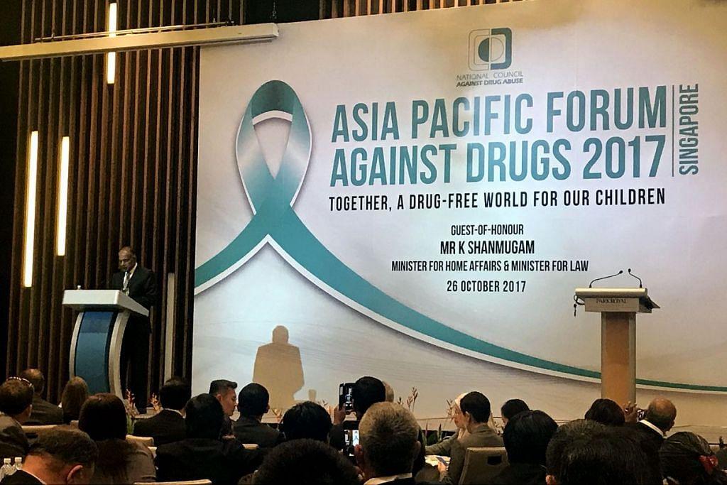 Encik K. Shanmugam berucap semasa pembukaan Forum Menentang Dadah Asia Pasifik (APFAD).  FOTO: Mohd Farid Hamzah