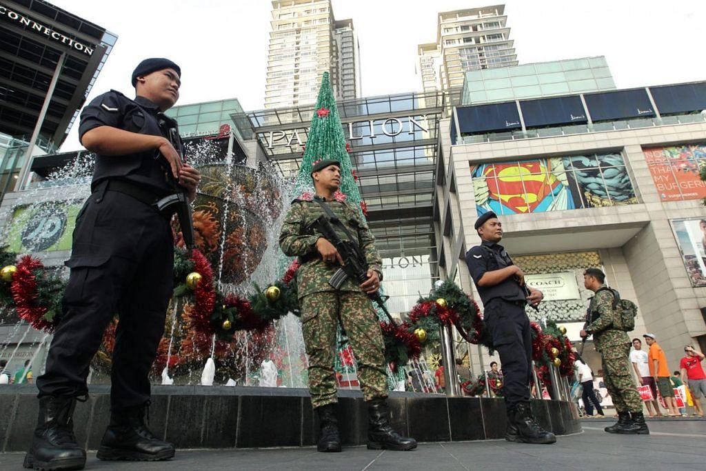 PERTINGKAT KESELAMATAN: Polis Malaysia mempertingkat usaha pencegahan bagi memelihara keselamatan awam, menjelang tempoh perayaan ini. - Foto THE STAR