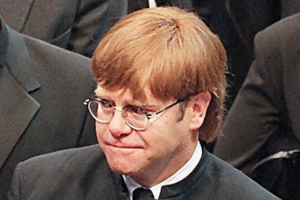 Elton John ketuai penghormatan terakhir kepada Graham Taylor