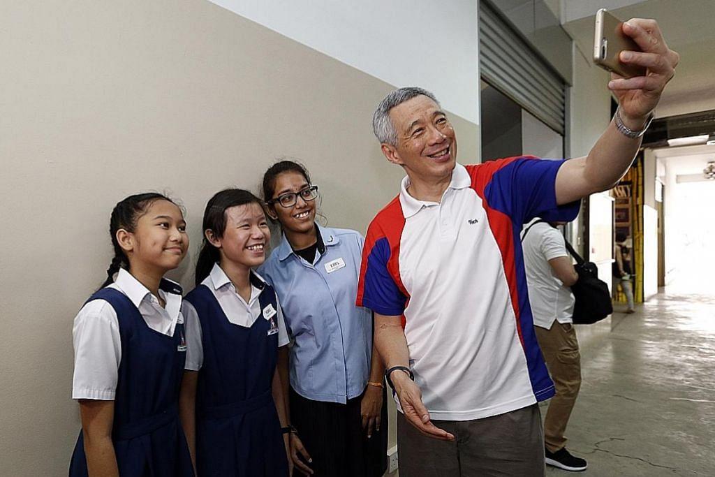PM Lee suntik semangat kepada pelajar
