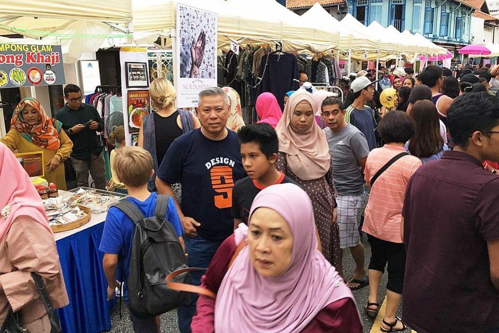 Bazar menggamit kenangan Kg Glam