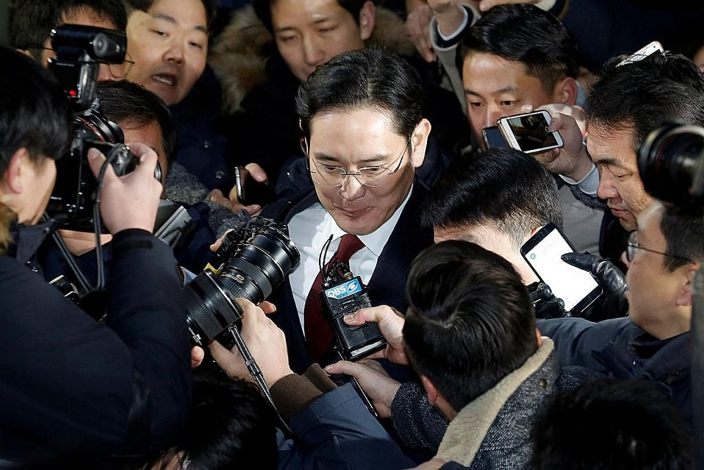Samsung hadapi pergelutan pimpinan di tengah krisis politik, produk rosak