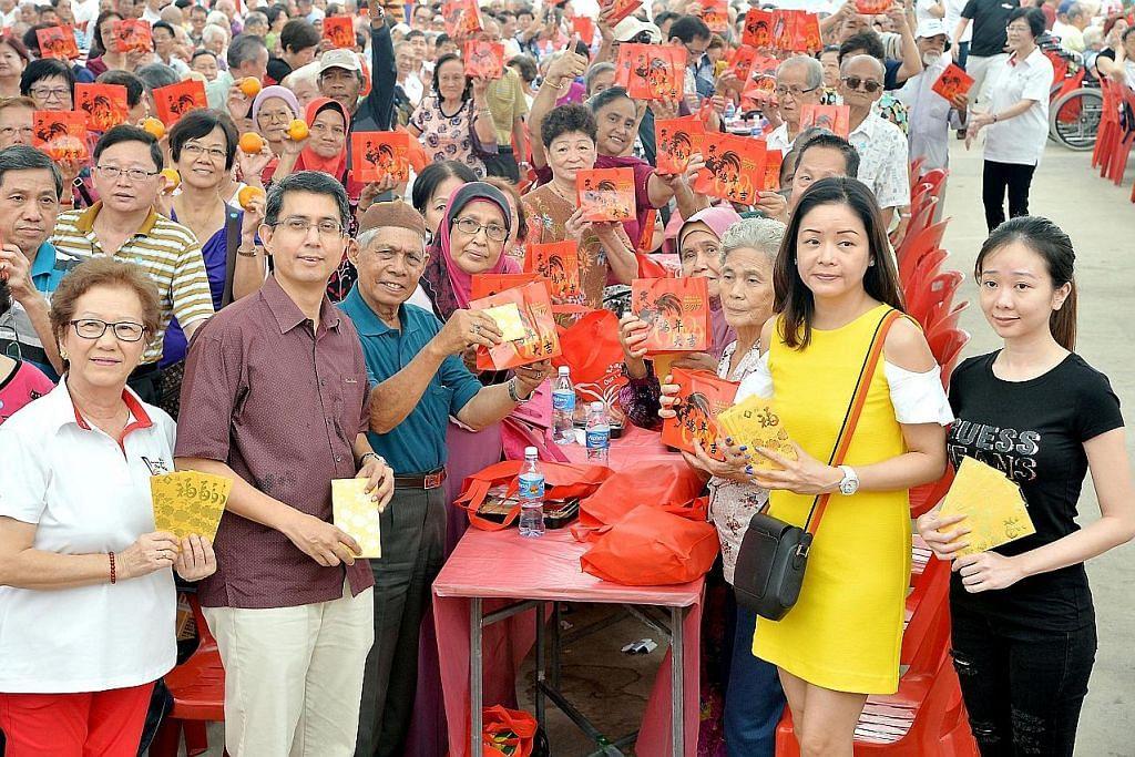'Hong bao' bagi 2,300 penduduk