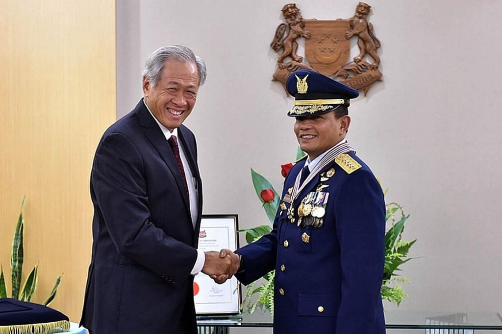 Pegawai Indonesia dianugerahi Pingat Jasa Gemilang (Tentera)