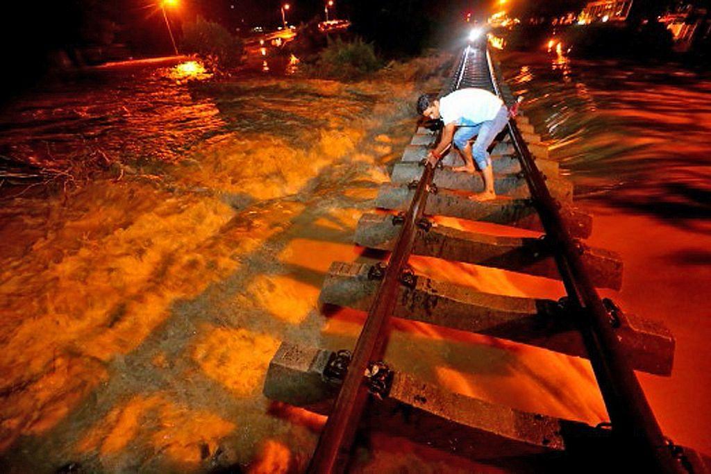 Johor teruk dilanda banjir, jumlah mangsa terus meningkat