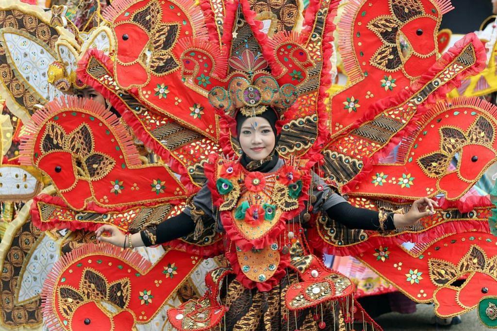 Warna-warni dunia serikan Chingay 2017