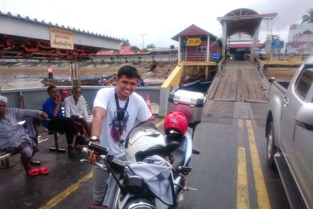 Rentas negara dengan motosikal