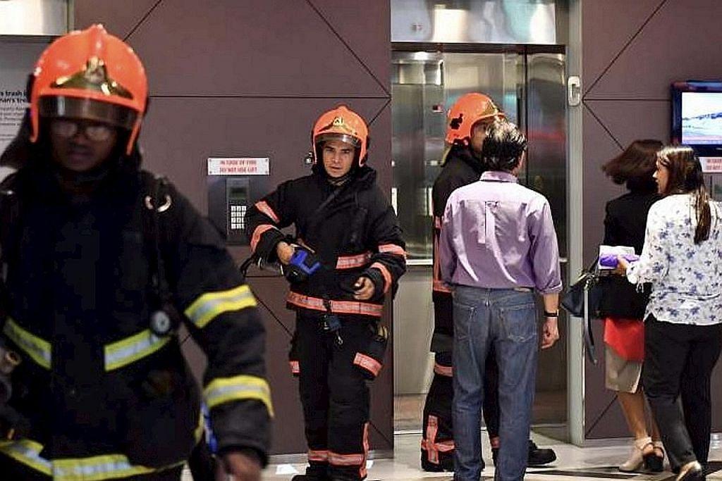 Kebakaran di tingkat 15 Shenton House, dua dikejarkan ke hospital