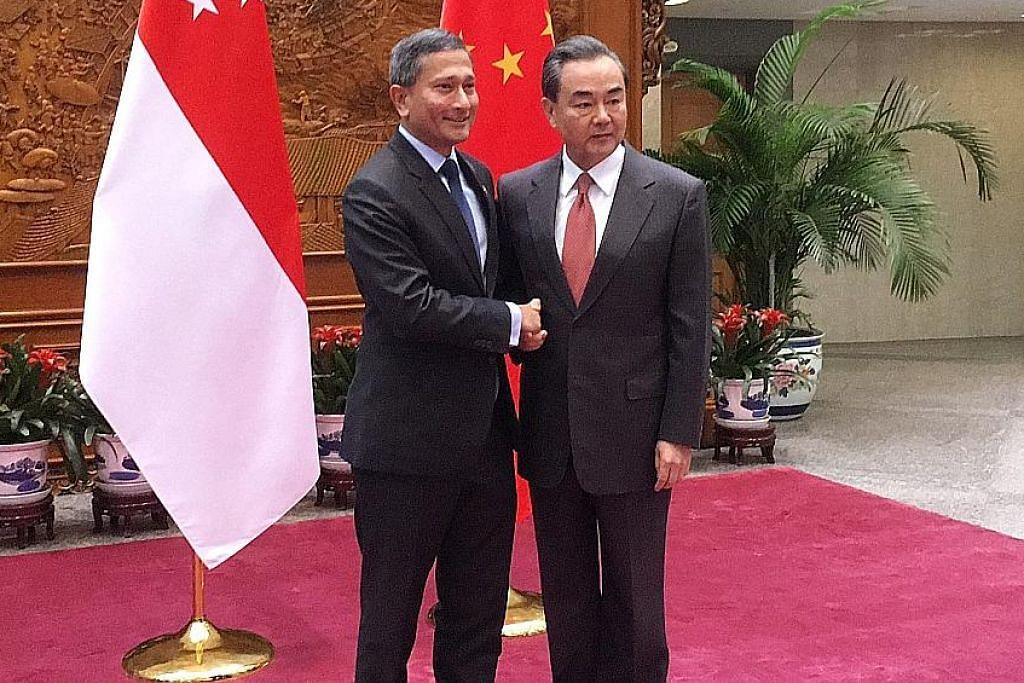Vivian adakan perbincangan terus terang dengan dua menteri kanan China