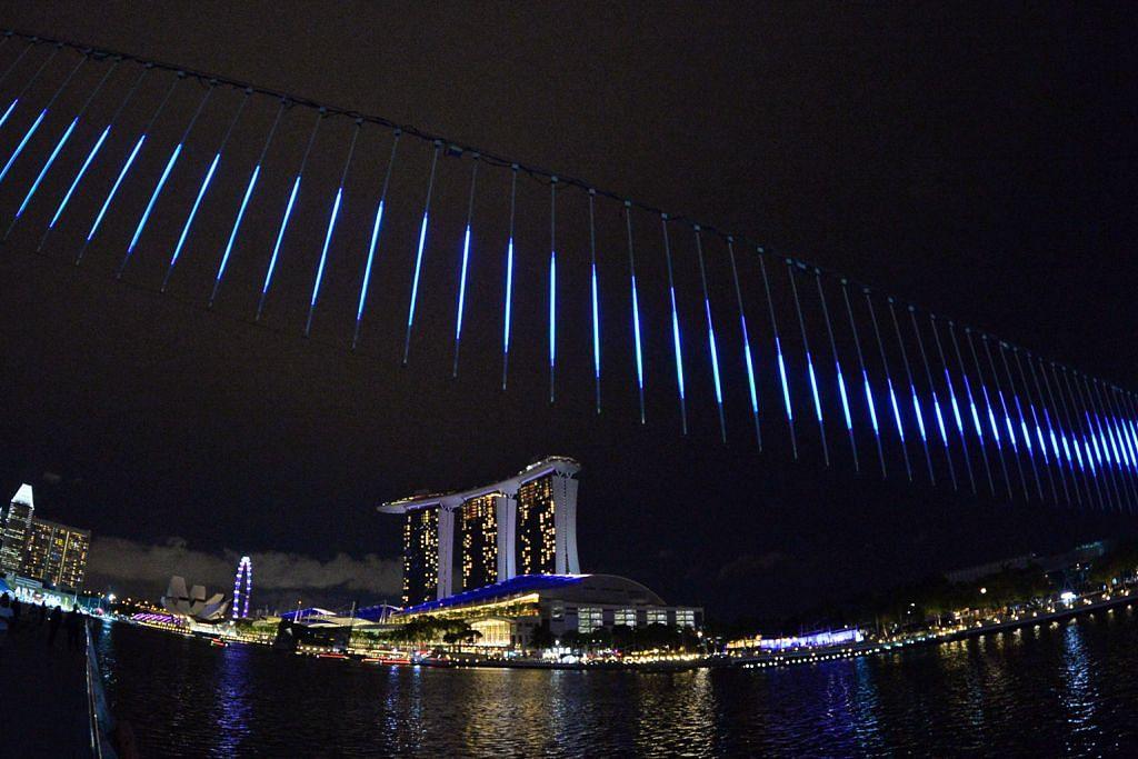 Saksikan pelbagai pertunjukan seni di sekitar Marina Bay