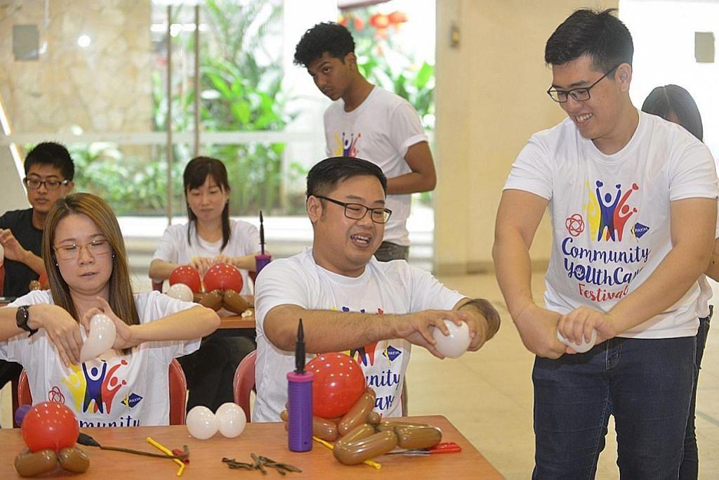 PESTA MASYARAKAT 'YOUTHCARE' CC Boon Lay anjur bengkel kemahiran untuk penduduk