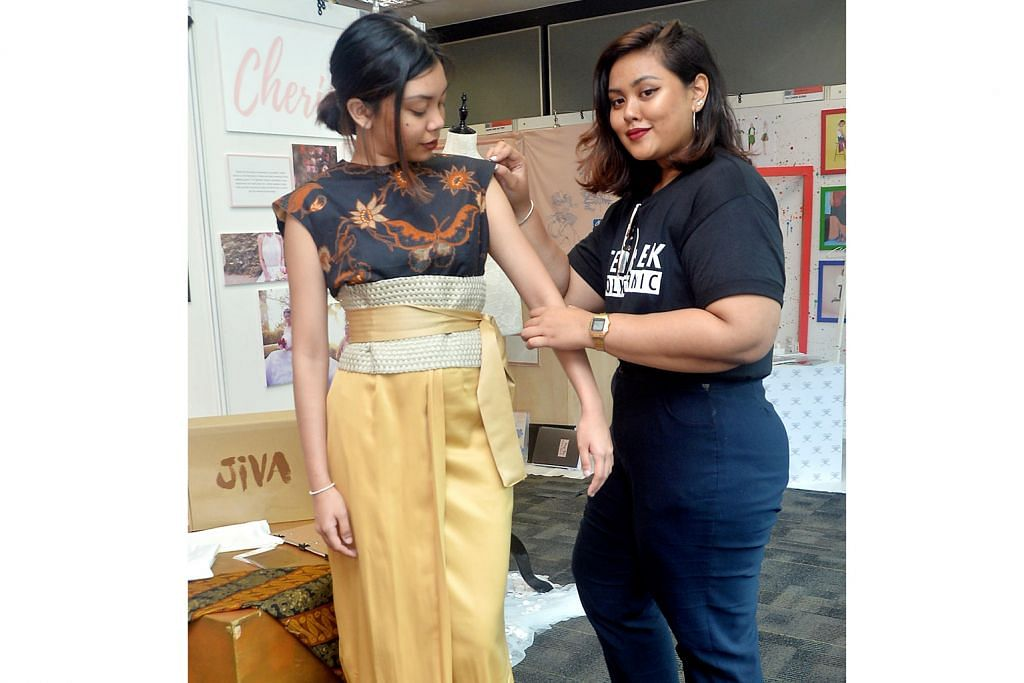 Fesyen 'Kraton' Jawa buat nenek PAMERAN REKA BENTUK POLITEKNIK TEMASEK