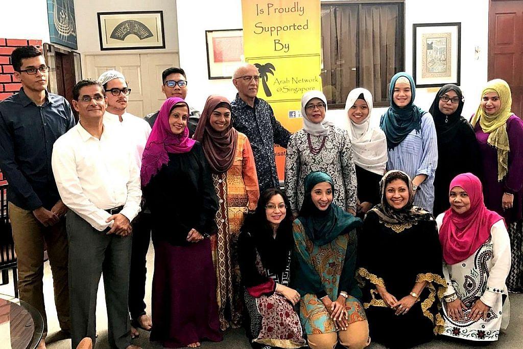 12 pelajar cemerlang masyarakat Arab terima anugerah