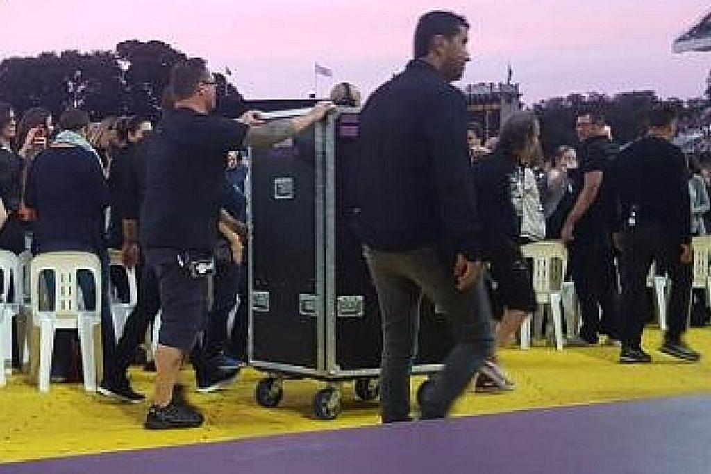 Adele sembunyi dalam kotak di konsert