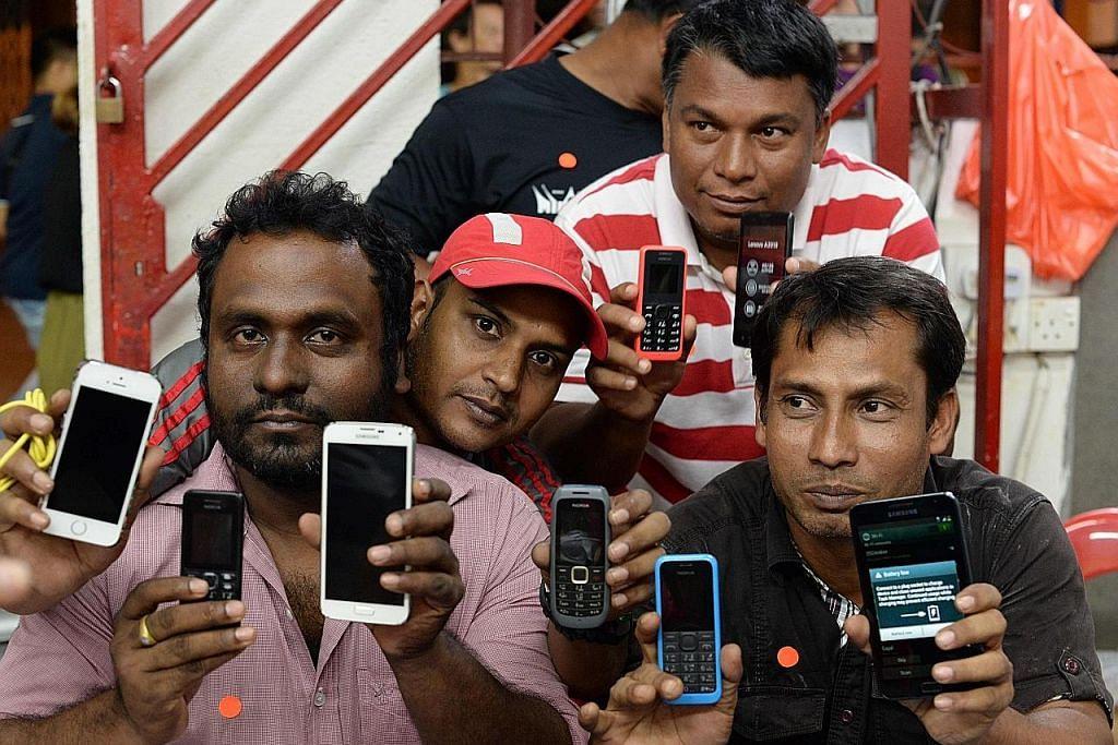 Pekerja asing dapat telefon 3G percuma