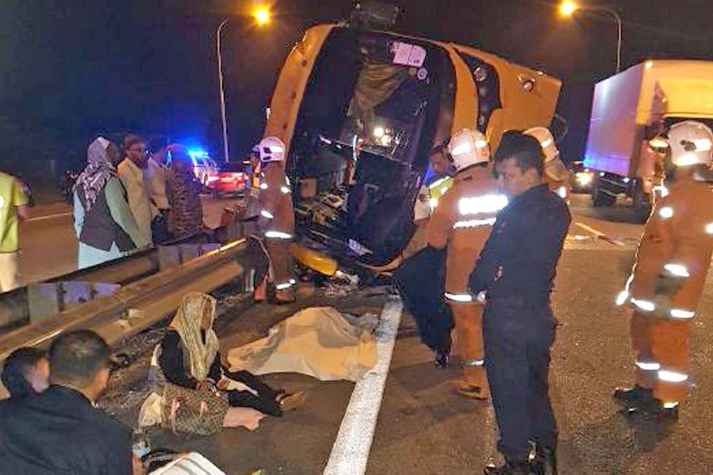 Penumpang maut bas ekspres rempuh pembahagi jalan