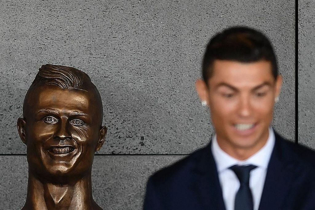 Patung 'hodoh' Ronaldo ditertawa di media sosial