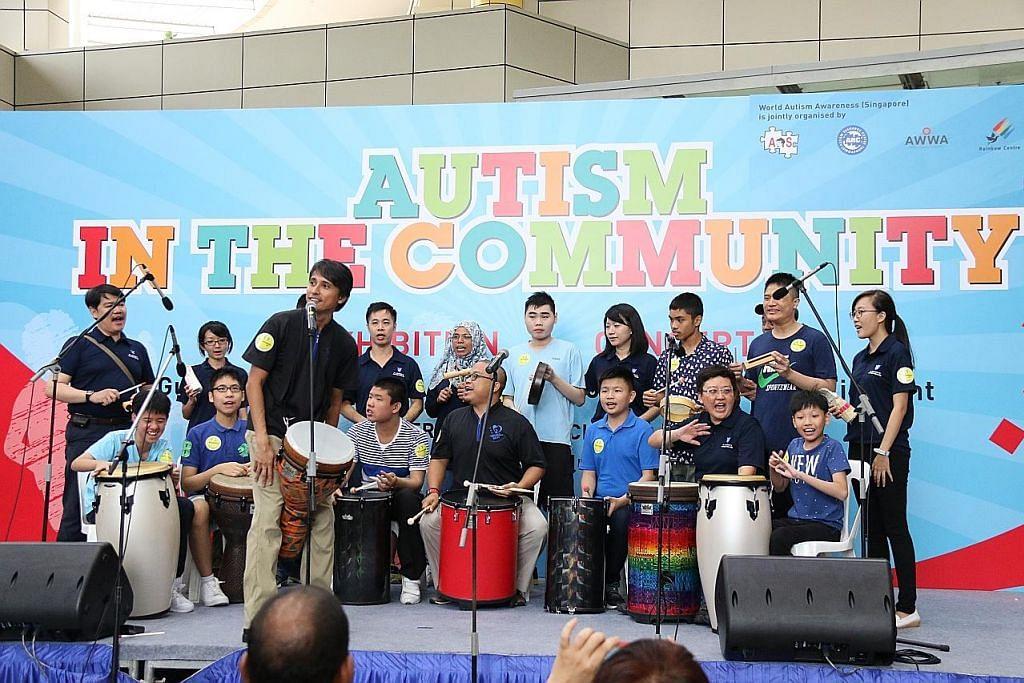 Lampu biru tanda sokong golongan autisme