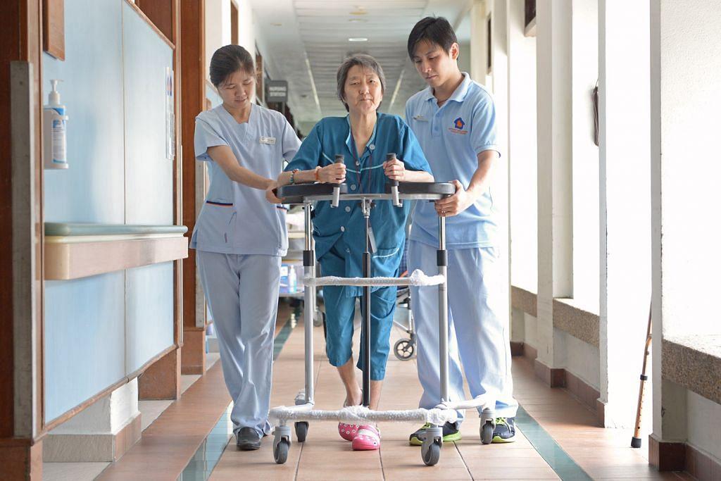 700 pekerja pertengahan kerjaya diambil sektor jagaan kesihatan