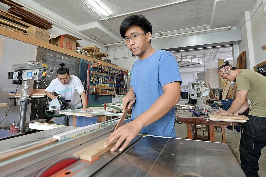 Bina syarikat reka dan cipta perabot kayu