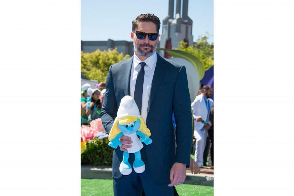 Manganiello jadi Smurf untuk anak saudara