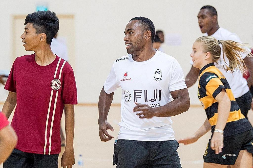 Pelajar berlatih dengan juara Olimpik