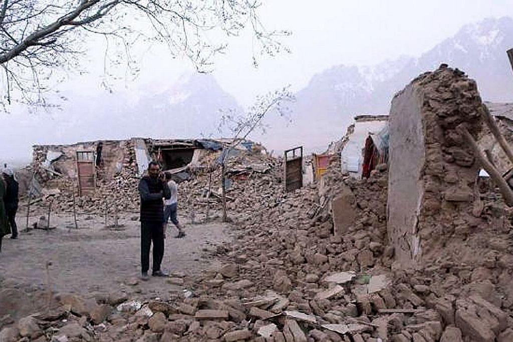Lapan maut, 11 cedera dalam gempa di Xinjiang