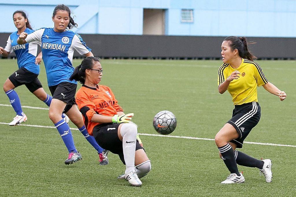 Pasukan bola sepak perempuan VJC jadi juara selepas penalti tentukan keputusan