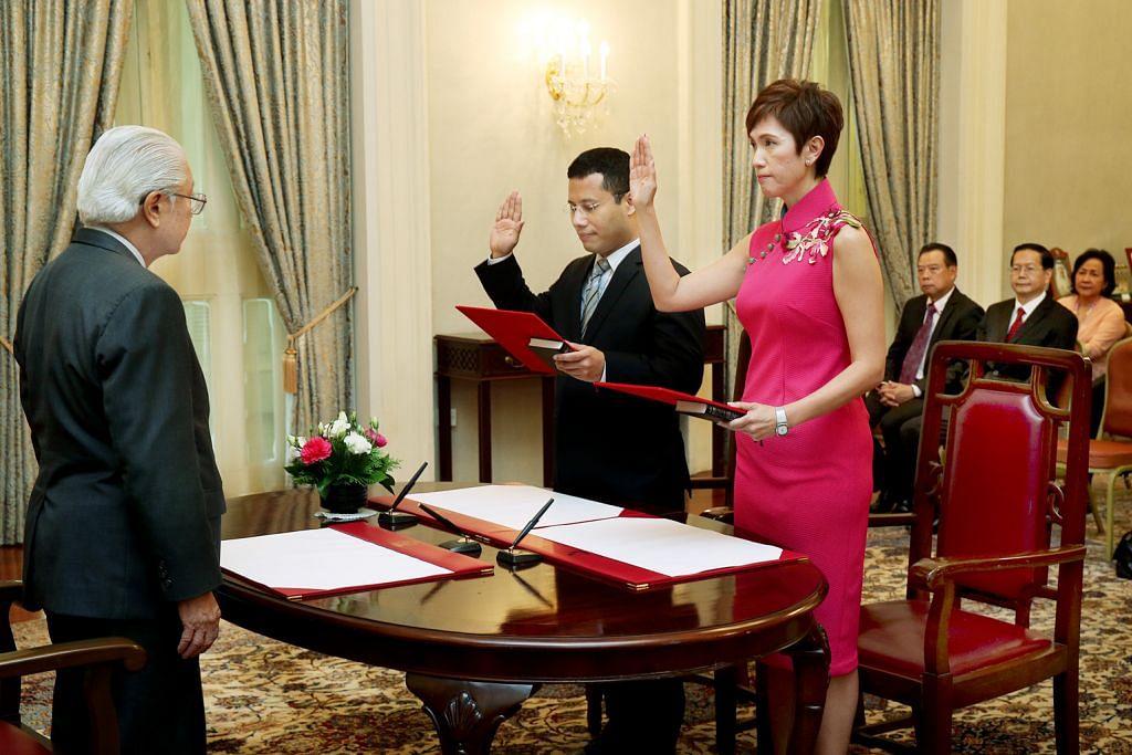Josephine Teo dan Desmond Lee angkat sumpah jadi Menteri penuh