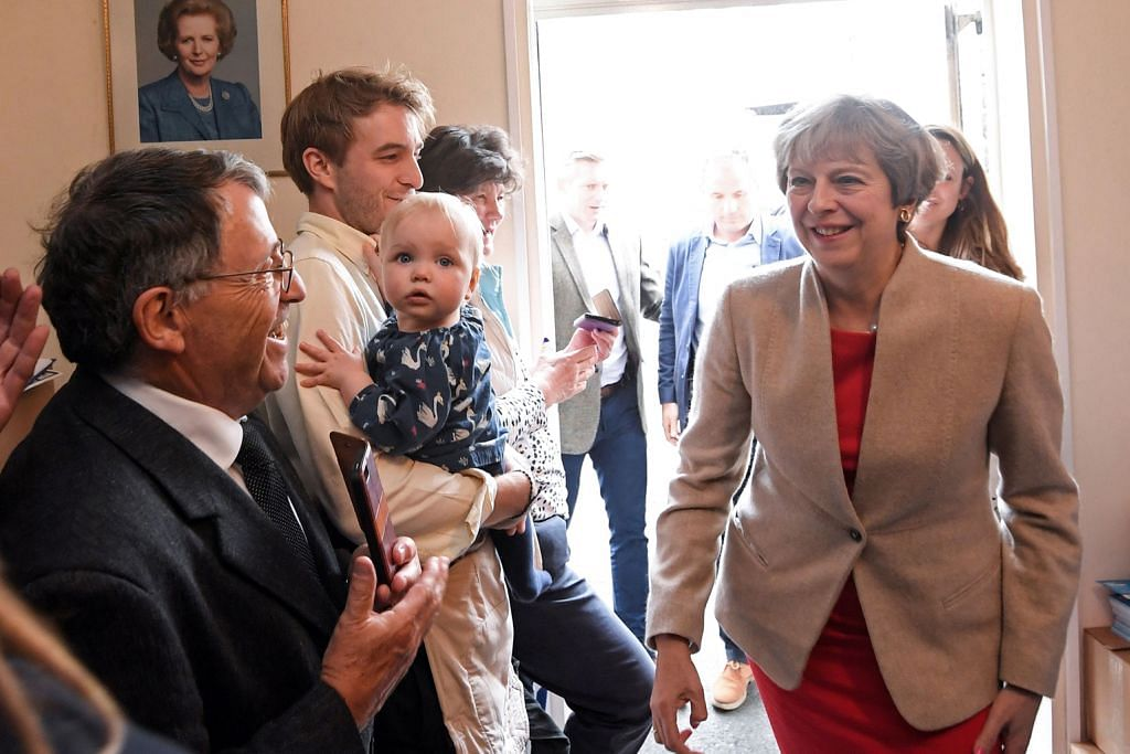 Populariti parti Konservatif pimpinan PM Britain merudum