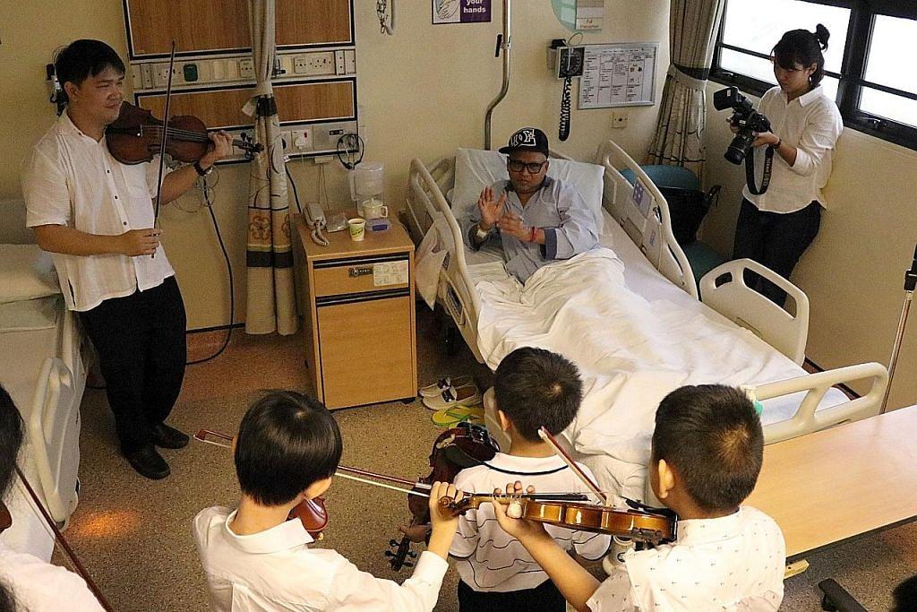 Pemuzik suntik keceriaan kepada pesakit melalui muzik dan lagu