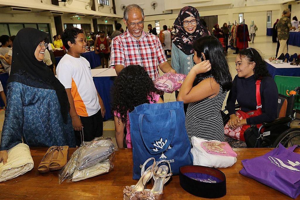 Sumbangan baju Raya bawa cerita sambut Lebaran