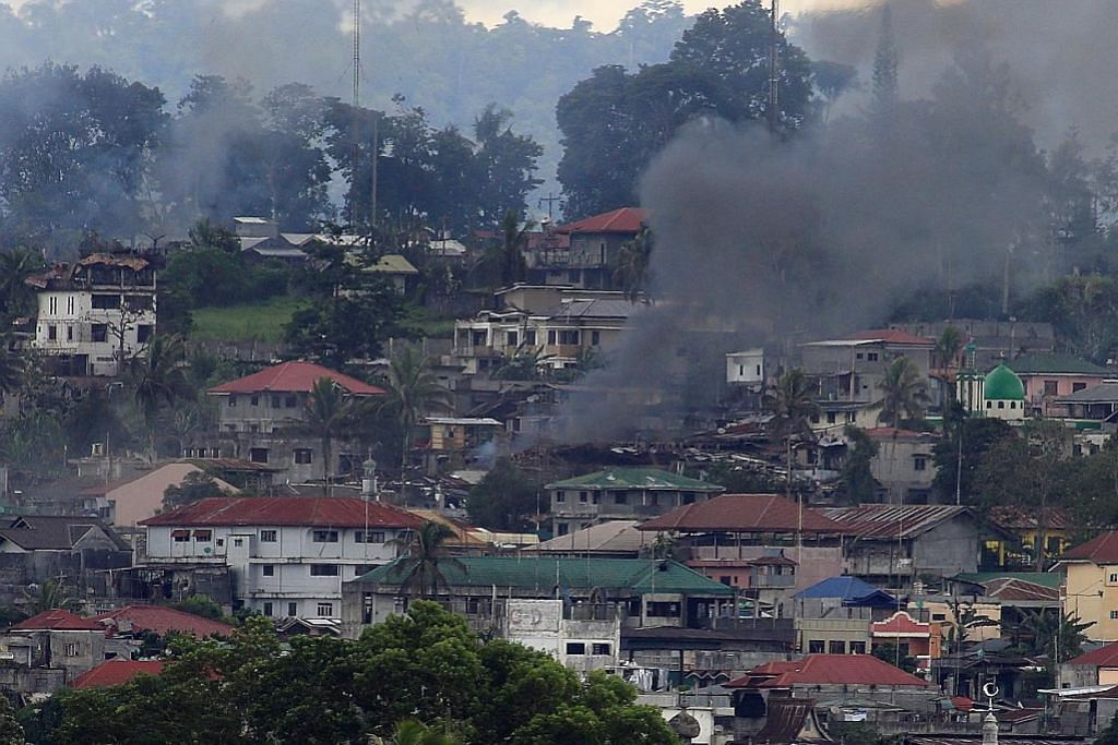 Askar Filipina berdepan penembak hendap militan di Marawi